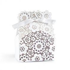 boite-fleurs-blanc-mariage | jourdefete.com