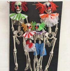 Famille de squelettes de clowns à suspendre pour Halloween