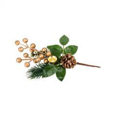 branche avec des baies or et pomme de pin enneigee   jourdefete.com