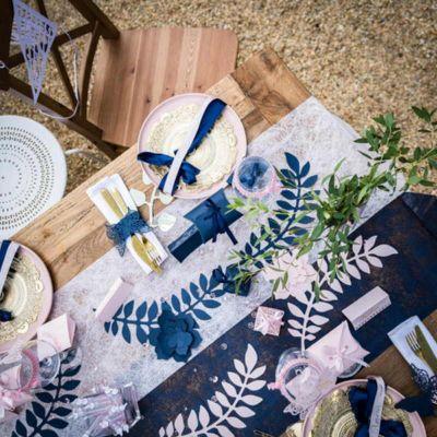 ronds-serviette-papillon-bleu-marine jourdefete.com