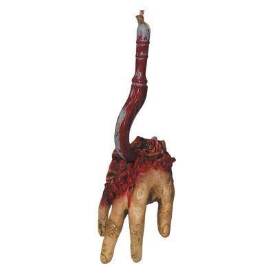 Main empalée sur crochet