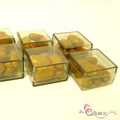 Sachet de Six Cubes en Plexiglas à Garnir de Dragées Taupe