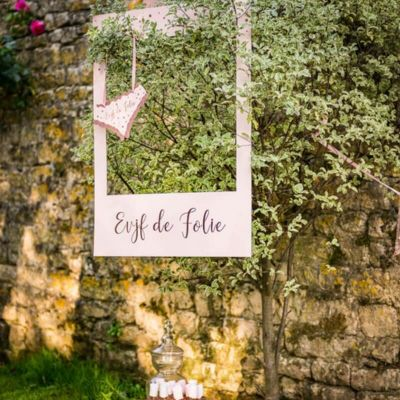 Kit Photobooth avec son Cadre et ses 12 Pièces - EVJF de Folie - Rose Gold | jourdefete.com