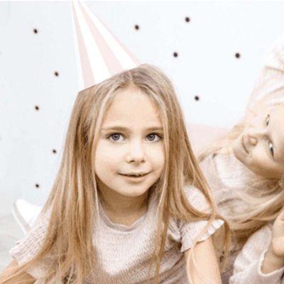 chapeau-rose-blanc-anniversaire|jourdefete.com